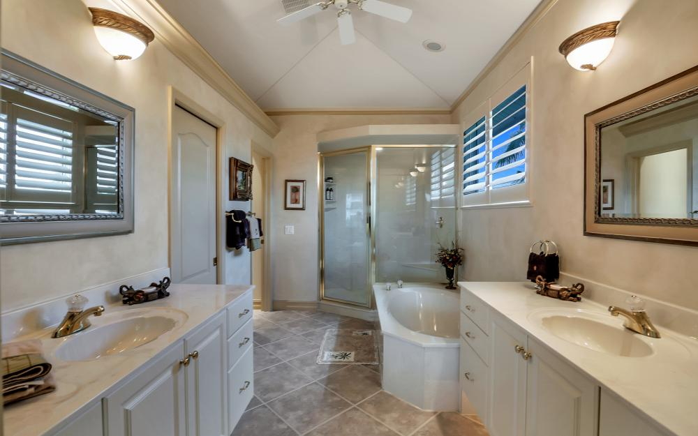 830 Partridge Ct, Marco Island - Home For Sale 28820327