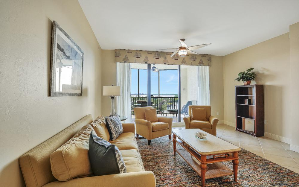 5793 Cape Harbour Dr #1011, Cape Coral - Condo For Sale 1144562100