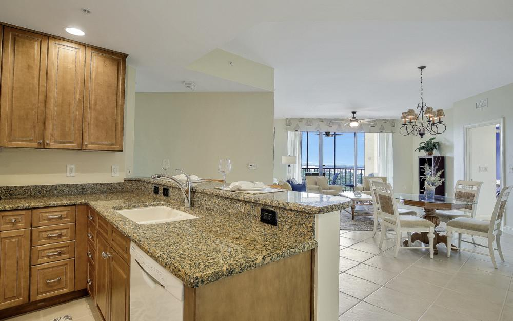 5793 Cape Harbour Dr #1011, Cape Coral - Condo For Sale 752363213