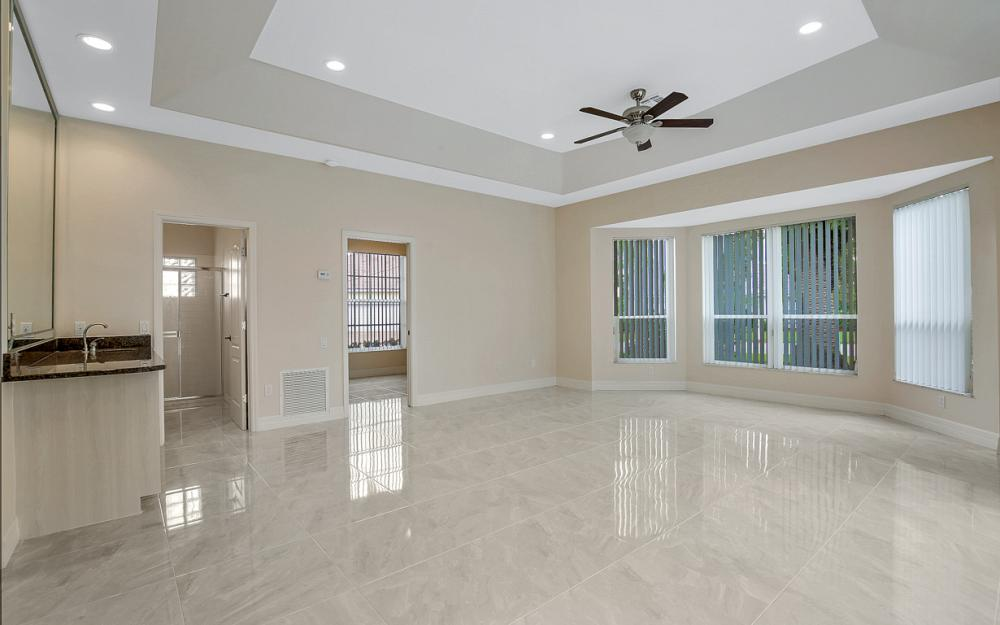 9270 Old Hickory Cir, Fort Myers - Home For Sale 369525819