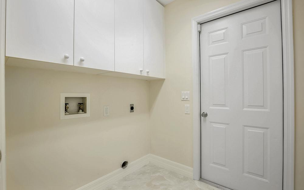 9270 Old Hickory Cir, Fort Myers - Home For Sale 1239032525
