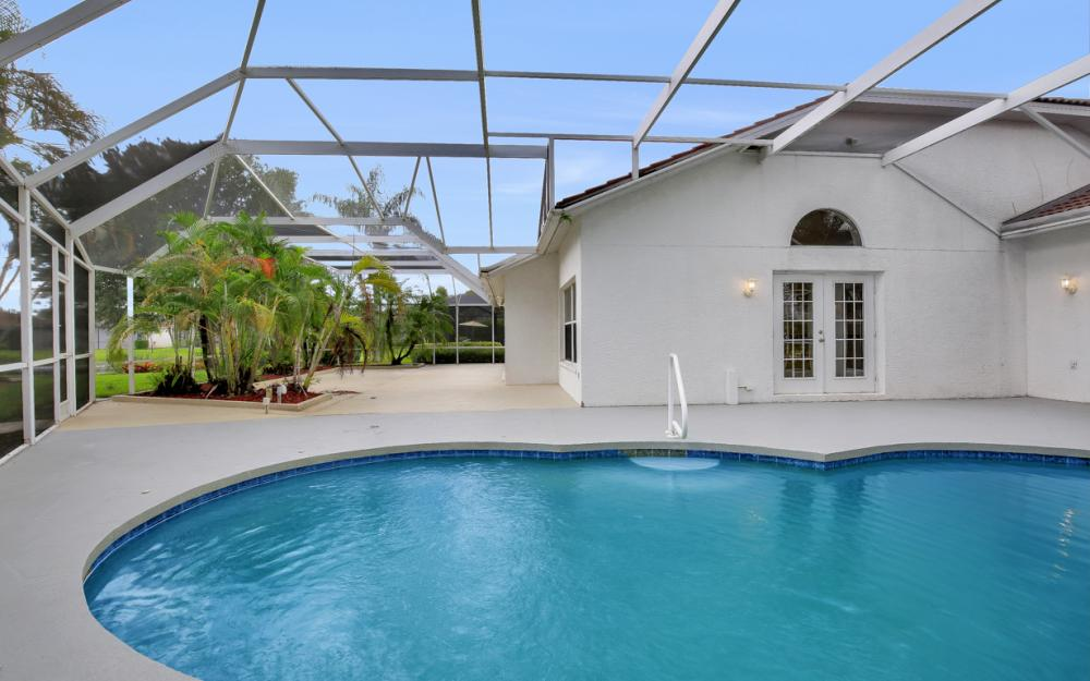 9270 Old Hickory Cir, Fort Myers - Home For Sale 1638399300