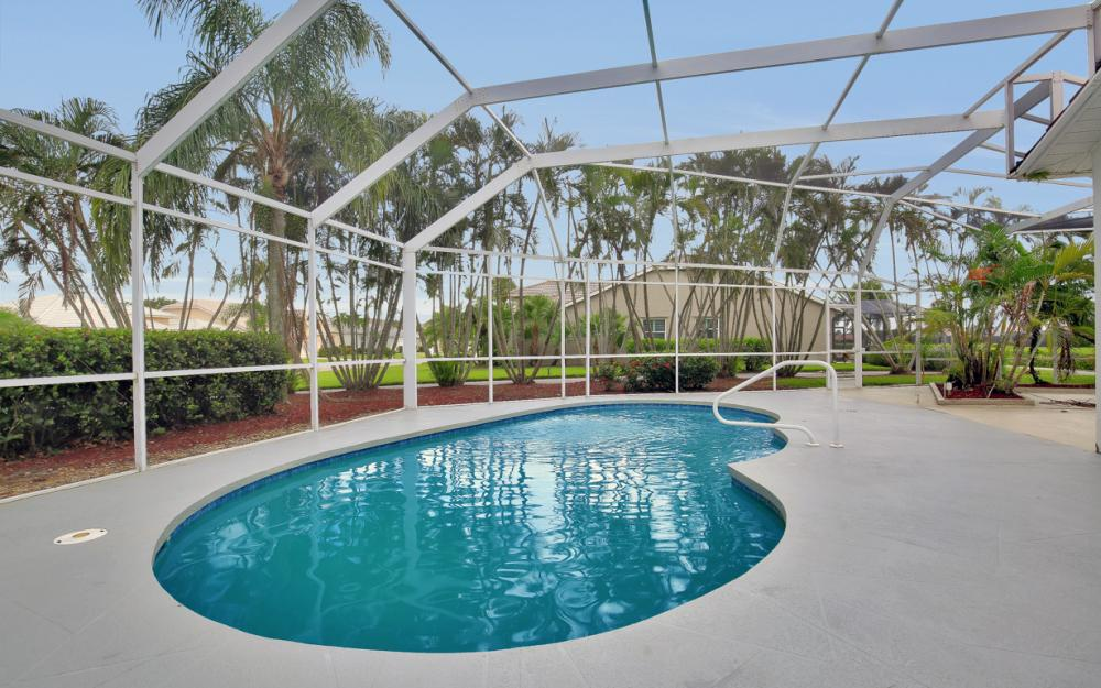 9270 Old Hickory Cir, Fort Myers - Home For Sale 2037334357