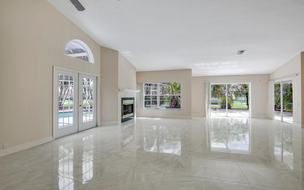 9270 Old Hickory Cir, Fort Myers - Home For Sale 731451345