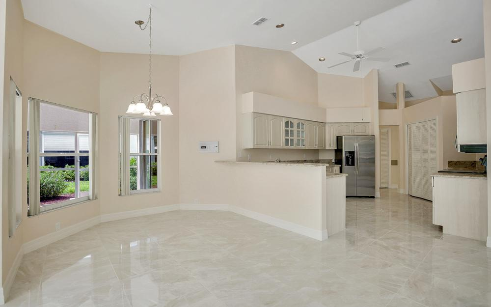 9270 Old Hickory Cir, Fort Myers - Home For Sale 2107161843