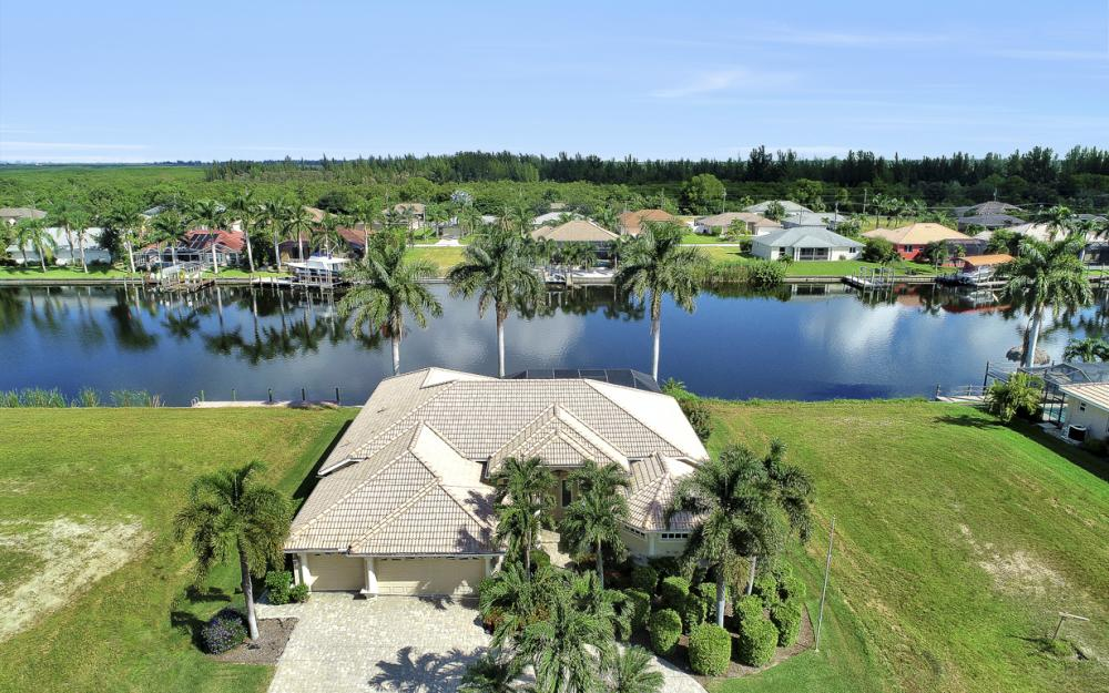2917 SW 26th St, Cape Coral - Home For Sale 69292369