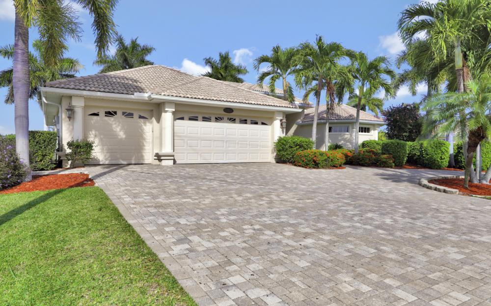 2917 SW 26th St, Cape Coral - Home For Sale 233899011