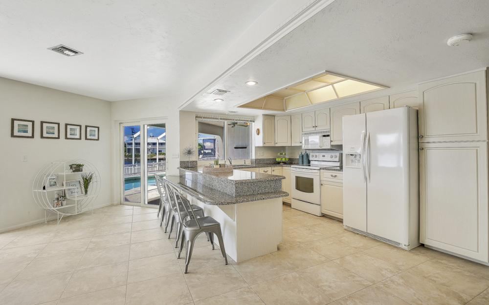 1225 Shenandoah Ct, Marco Island - Home For Sale 34402191