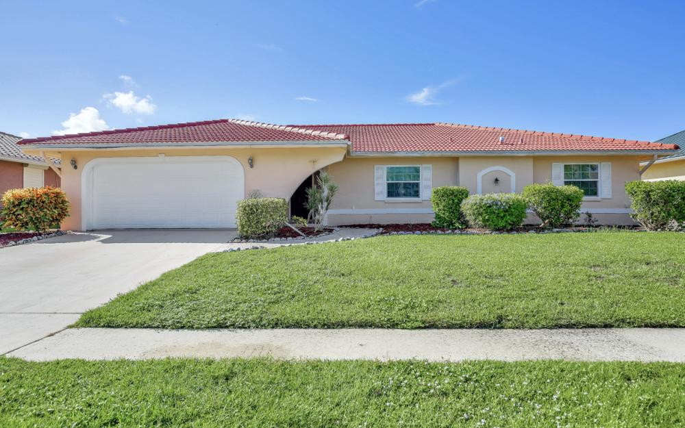 1225 Shenandoah Ct, Marco Island - Home For Sale 1170017035