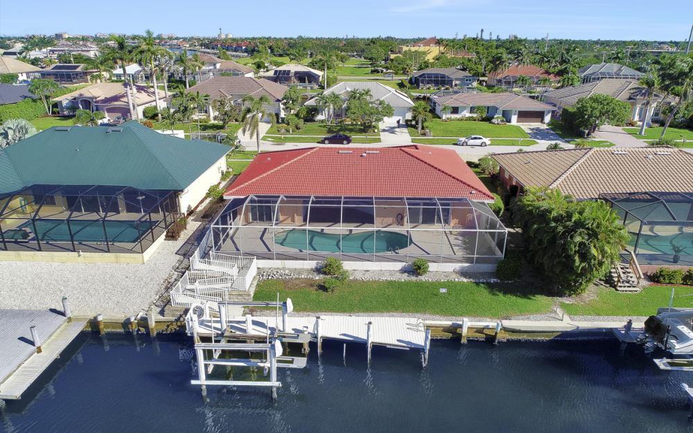 1225 Shenandoah Ct, Marco Island - Home For Sale 1929490906