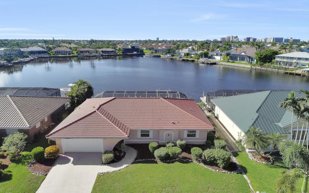 1225 Shenandoah Ct, Marco Island - Home For Sale 74518221
