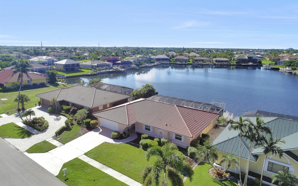 1225 Shenandoah Ct, Marco Island - Home For Sale 394305798