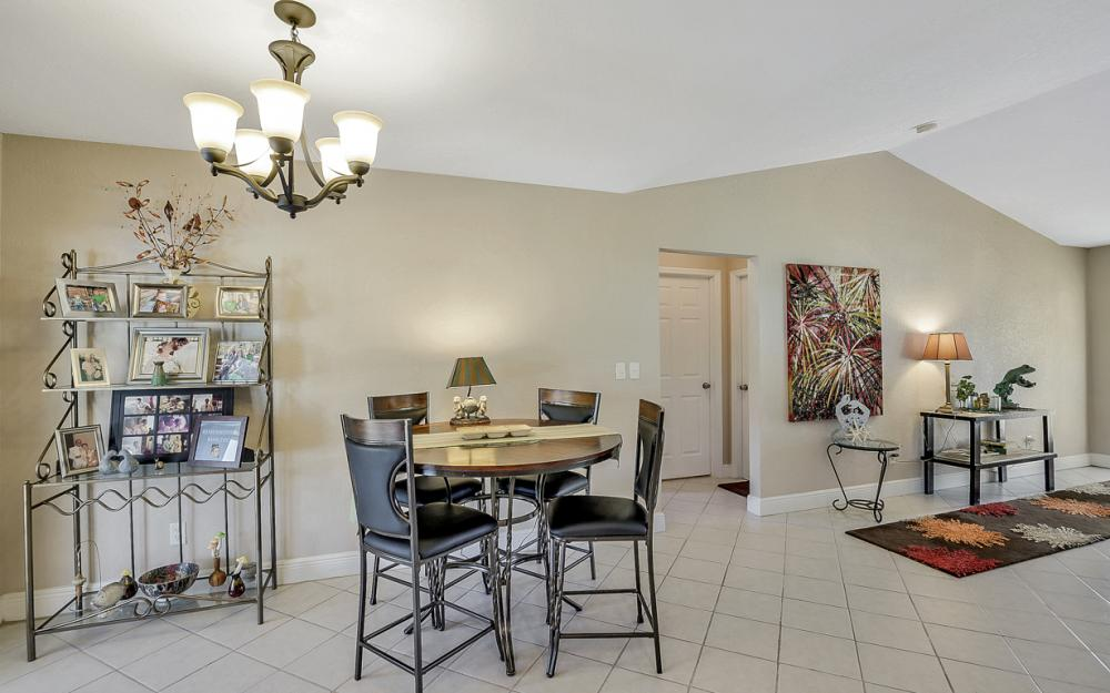 4005 SW 27th Ave, Cape Coral - Home For Sale 606163866