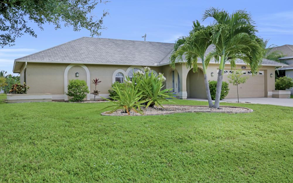 4005 SW 27th Ave, Cape Coral - Home For Sale 1941838228