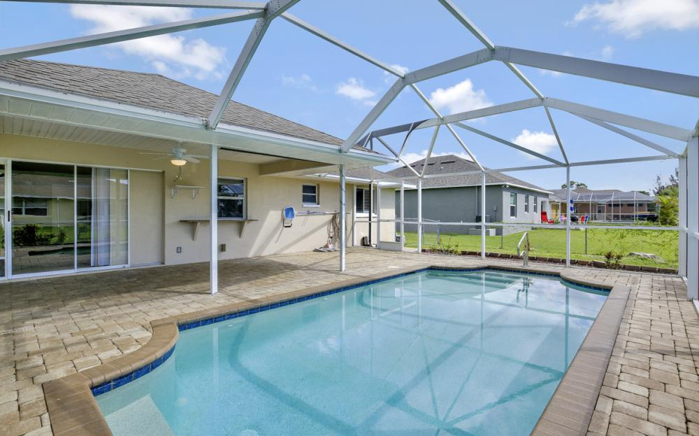 2520 SW 11th Pl, Cape Coral - Home For Sale 88300617