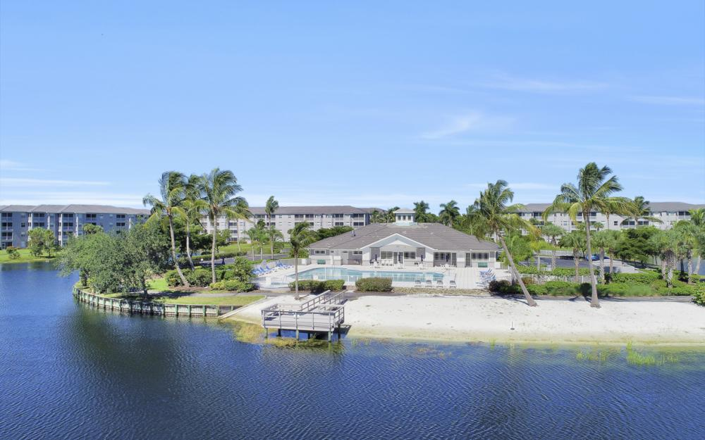16575 Lake Circle Dr #1114, Fort Myers - Condo For Sale 1050193403