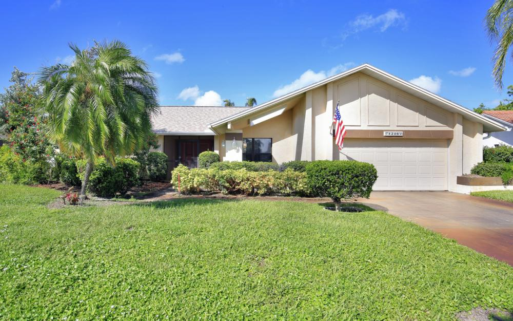 1246 Foxfire Ln, Naples - Home For Sale 1722573827