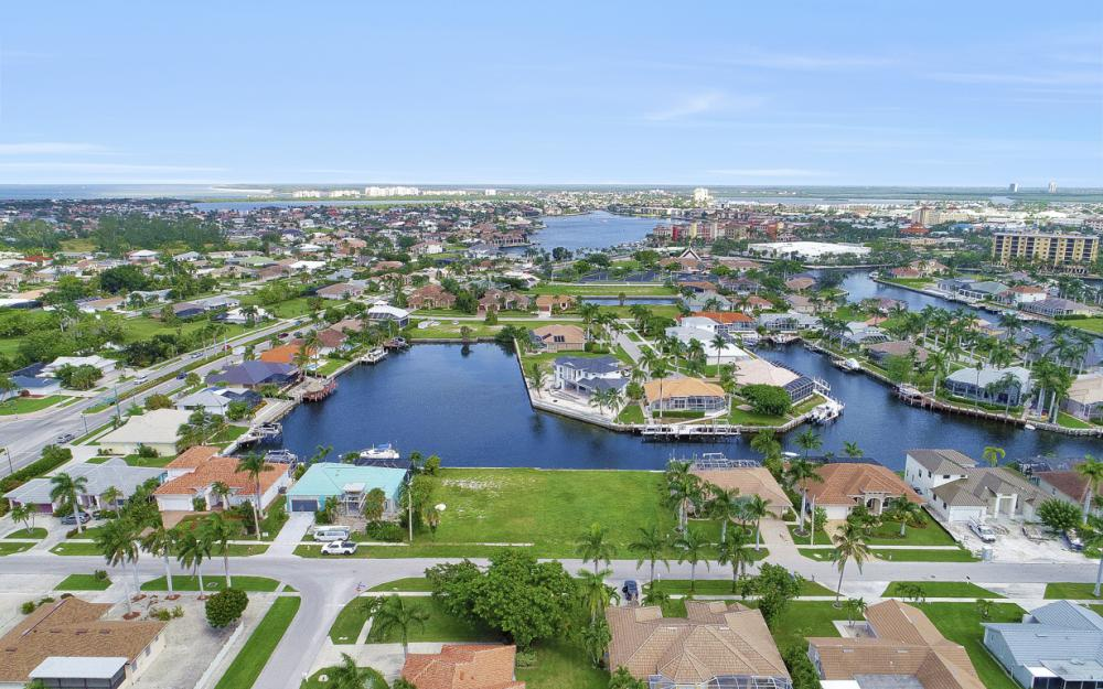 768 Caribbean Ct, Marco Island - Lot For Sale 2102613976
