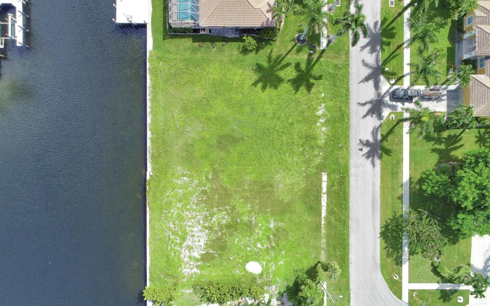 768 Caribbean Ct, Marco Island - Lot For Sale 1333997478