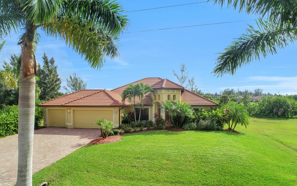 2229 Old Burnt Store Rd N, Cape Coral - Home For Sale 38847378