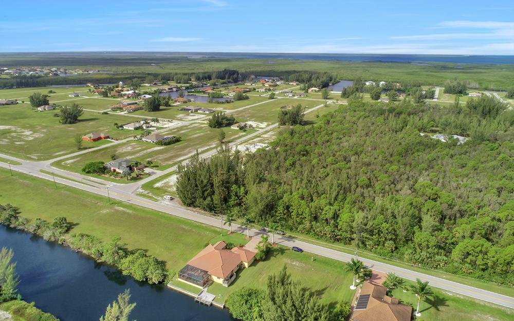 2229 Old Burnt Store Rd N, Cape Coral - Home For Sale 2020929406