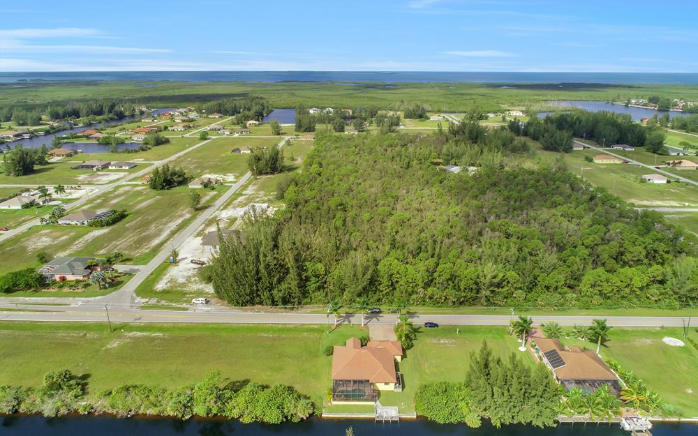 2229 Old Burnt Store Rd N, Cape Coral - Home For Sale 703730102