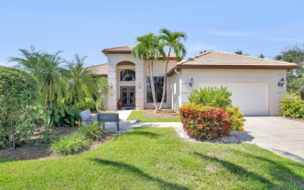 171 Cays Dr, Naples - Home For Sale 305768988