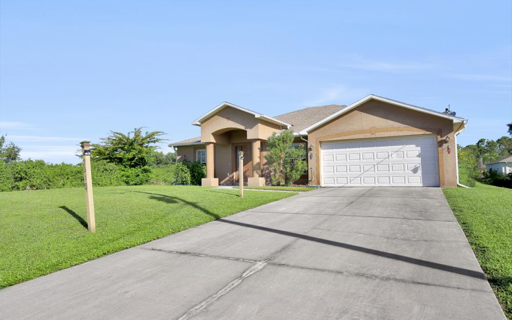 2818 4th St SW Lehigh Acres - Home For Sale 295970207