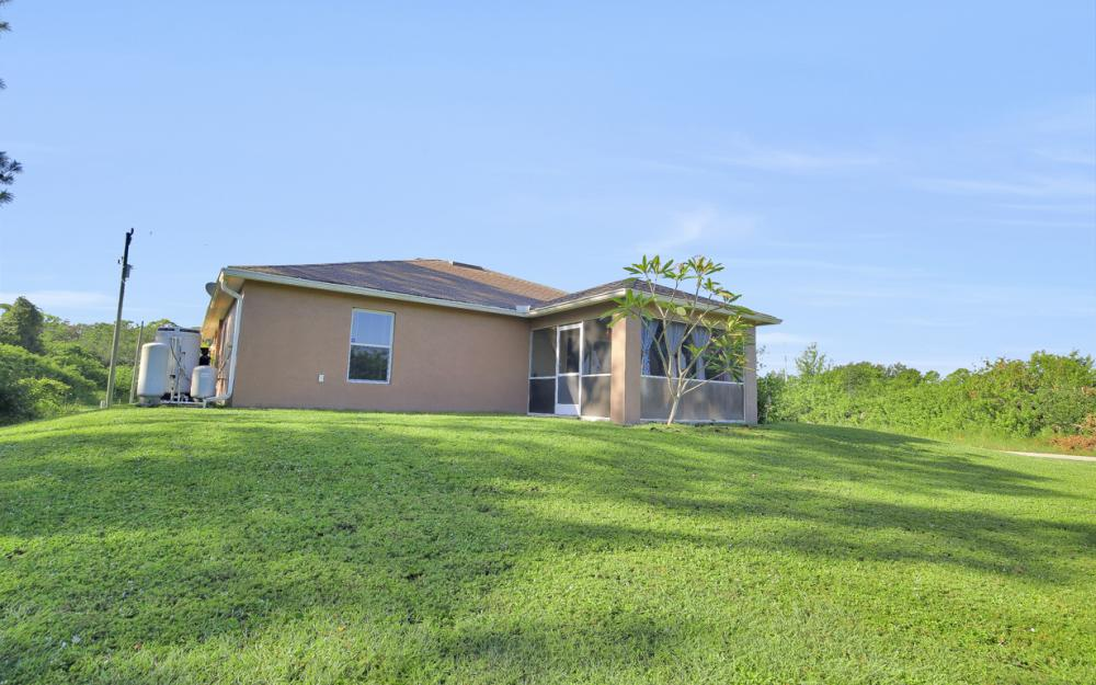 2818 4th St SW Lehigh Acres - Home For Sale 1516370034