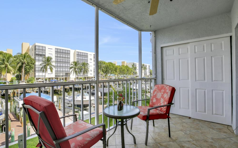 4531 Bay Beach Ln #133, Fort Myers Beach - Condo For Sale 2068059141