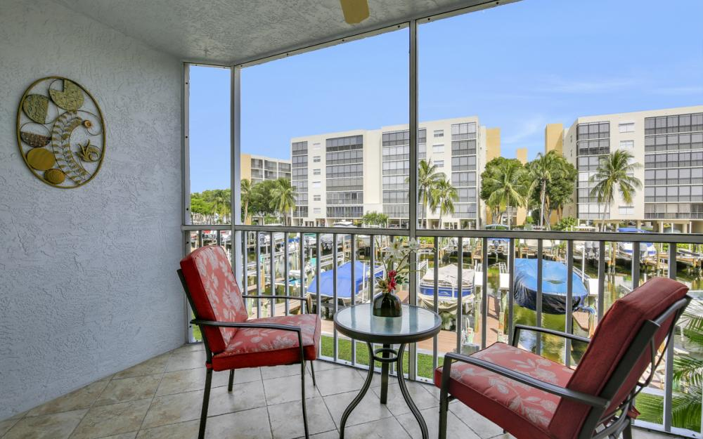4531 Bay Beach Ln #133, Fort Myers Beach - Condo For Sale 178931564
