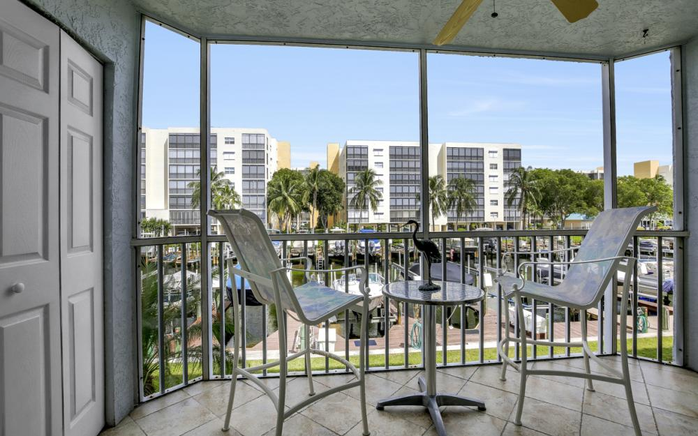 4531 Bay Beach Ln #133, Fort Myers Beach - Condo For Sale 113079326