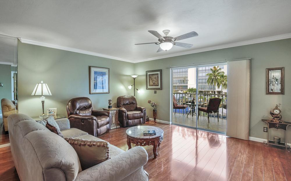 4531 Bay Beach Ln #133, Fort Myers Beach - Condo For Sale 686546516