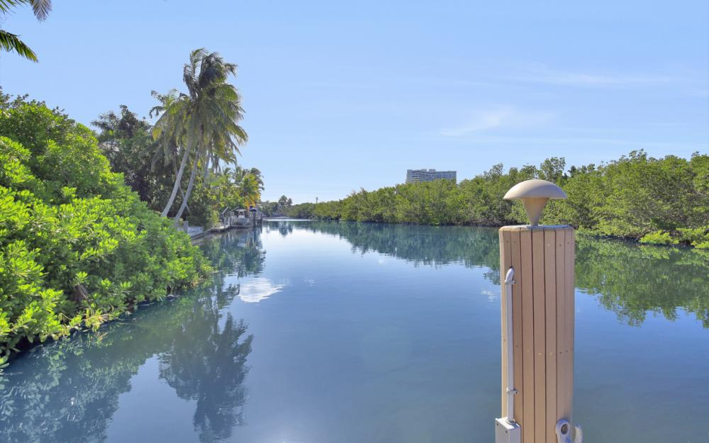 490 Spinnaker Dr, Marco Island - Vacation Rental 393279106