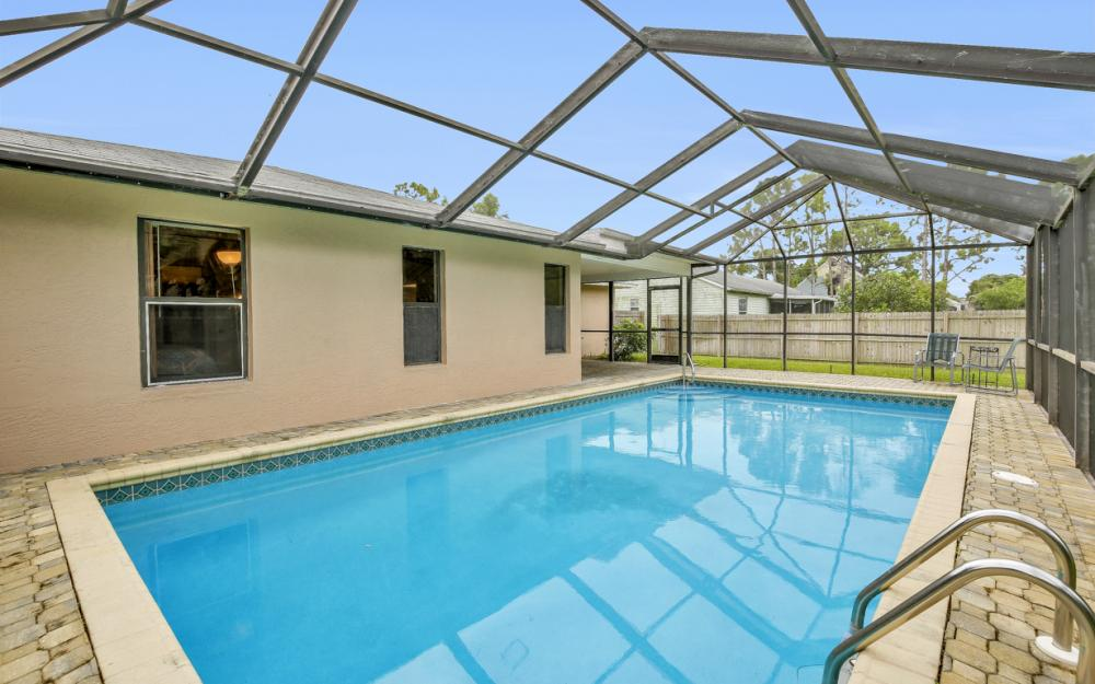 17512 Fuchsia Rd, Fort Myers - Home For Sale 89515440