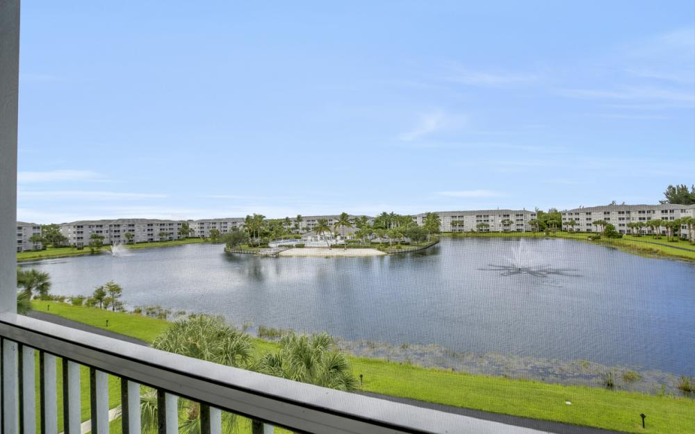 16635 Lake Circle Dr #642, Fort Myers - Condo For Sale 859579989