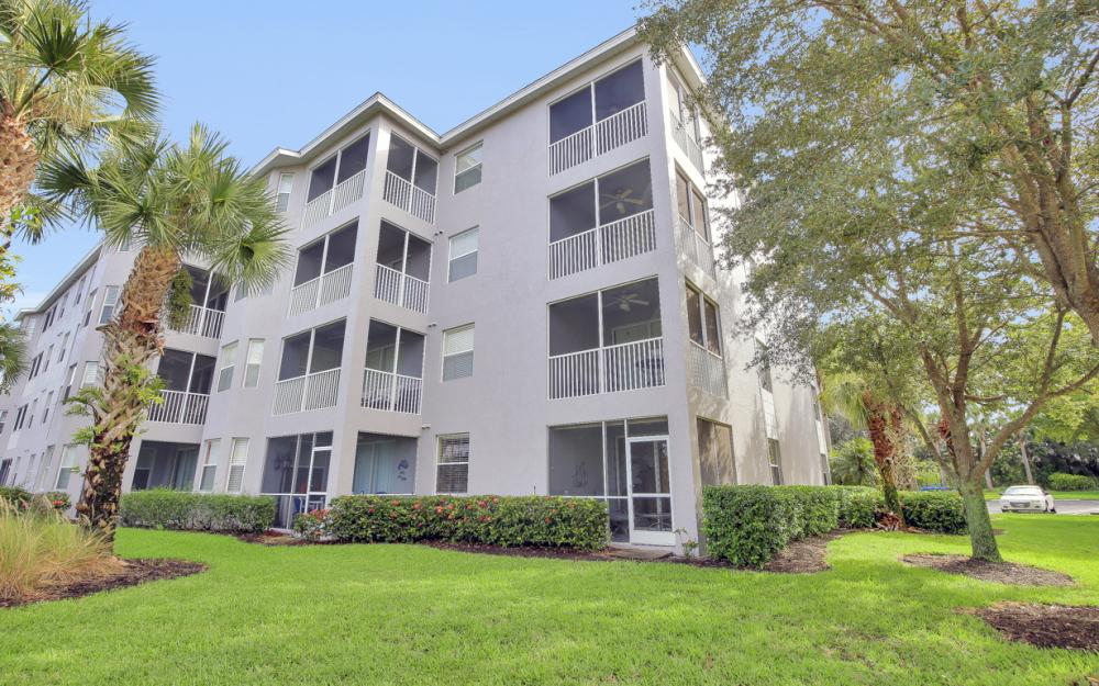 16615 Lake Circle Dr #411, Fort Myers - Condo For Sal e 1544439053