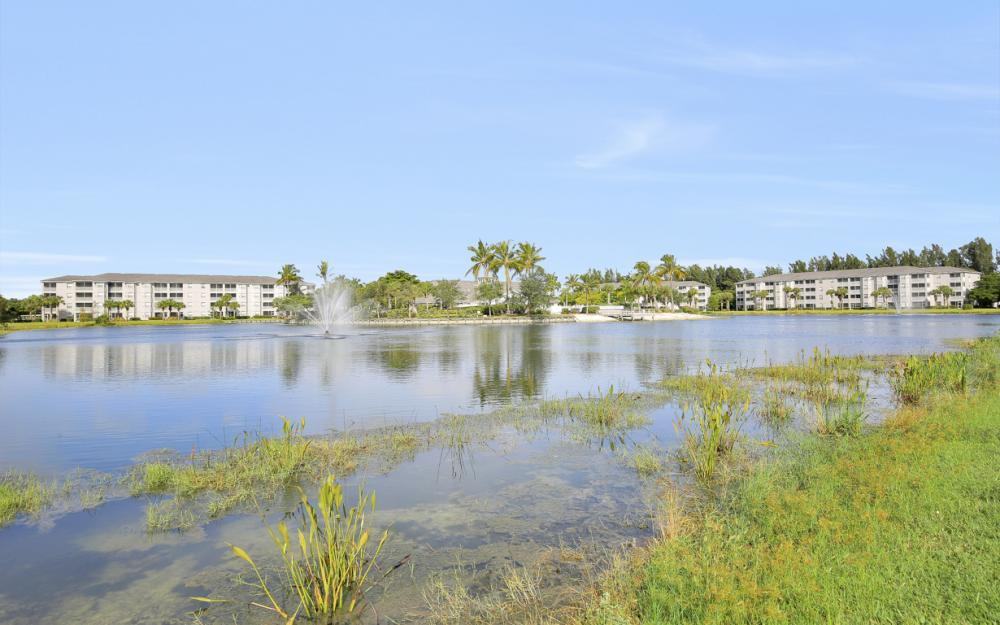 16615 Lake Circle Dr #411, Fort Myers - Condo For Sal e 1918288598