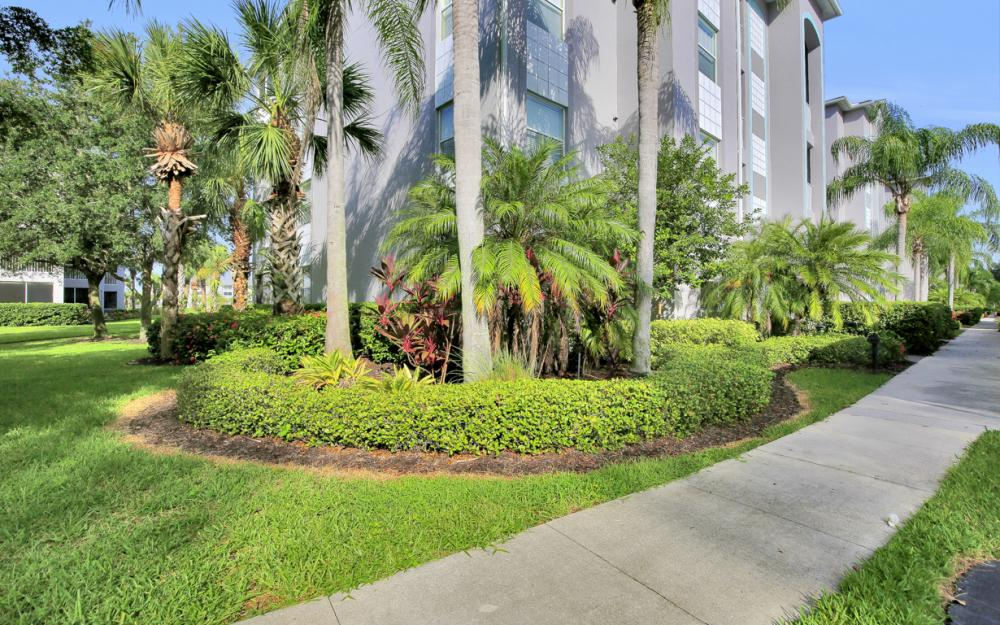 16615 Lake Circle Dr #411, Fort Myers - Condo For Sal e 1407416977
