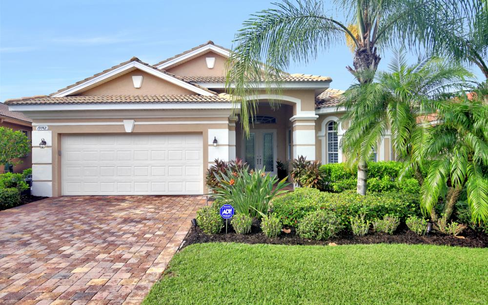 19742 Maddelena Cir Estero - Home For Sale 552296536