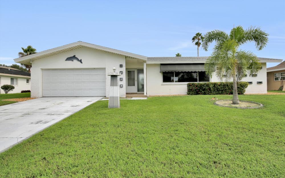 4305 SE 13th Pl, Cape Coral - Home For Sale 2063618839