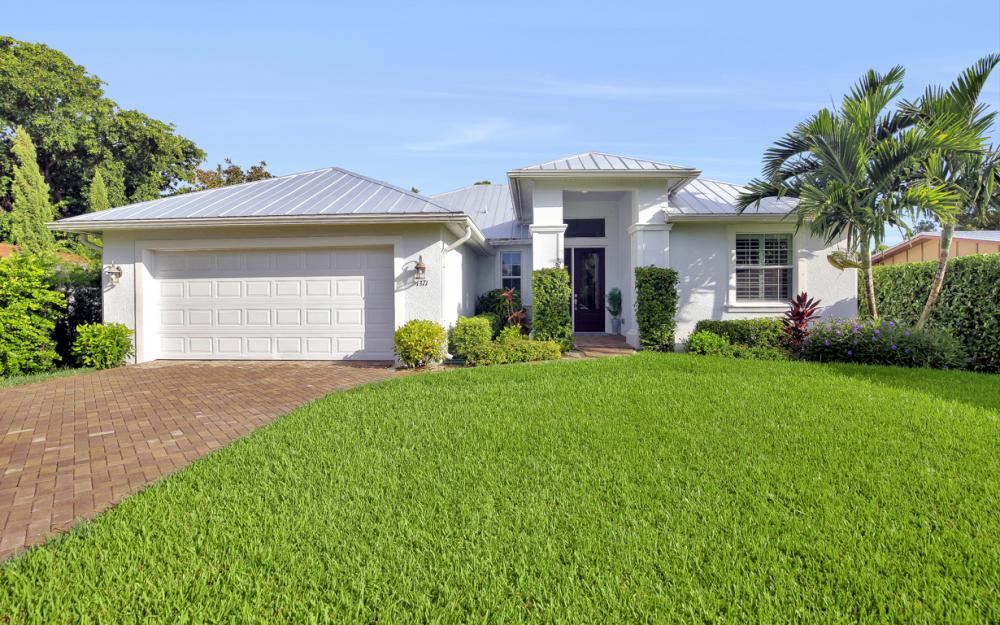 1371 Michigan Ave Naples - Home For Sale 2058231192