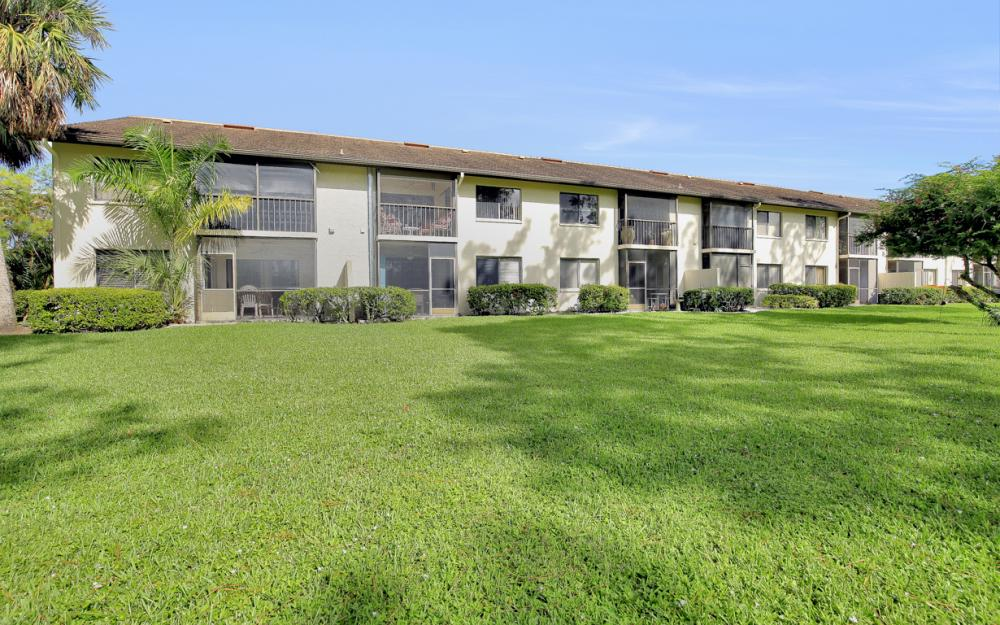 5809 Rattlesnake Hammock Rd #207, Naples - Condo For Sale 1993101302
