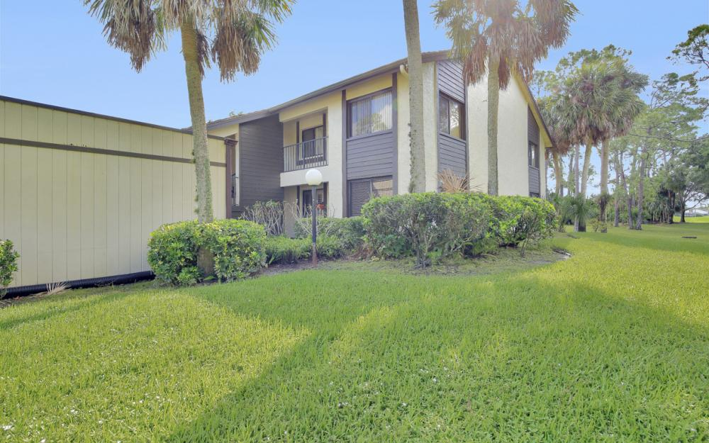 5809 Rattlesnake Hammock Rd #207, Naples - Condo For Sale 210606611