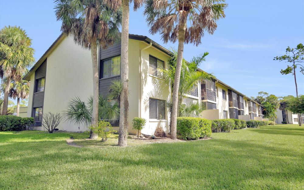 5809 Rattlesnake Hammock Rd #207, Naples - Condo For Sale 170646654