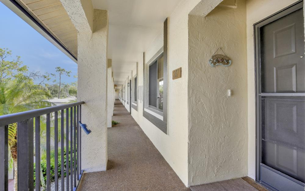 5809 Rattlesnake Hammock Rd #207, Naples - Condo For Sale 1916147023