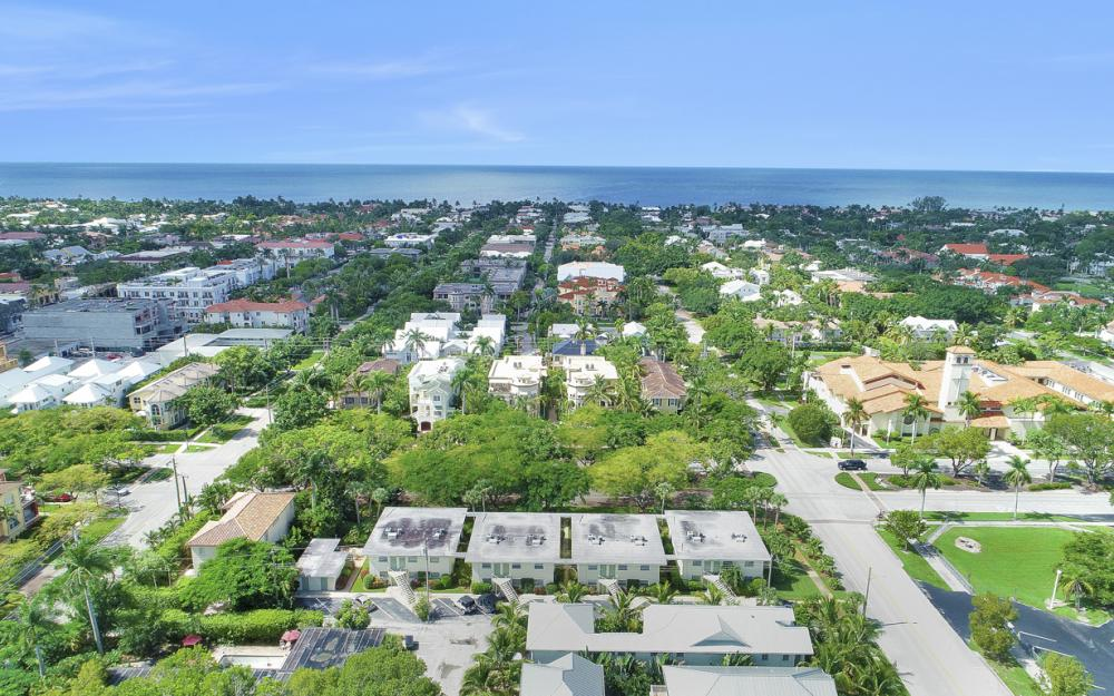 325 6th St S, Naples - Condo For Sale 1341000089