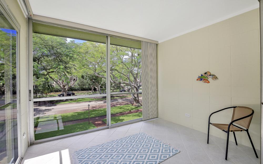 325 6th St S, Naples - Condo For Sale 142282360