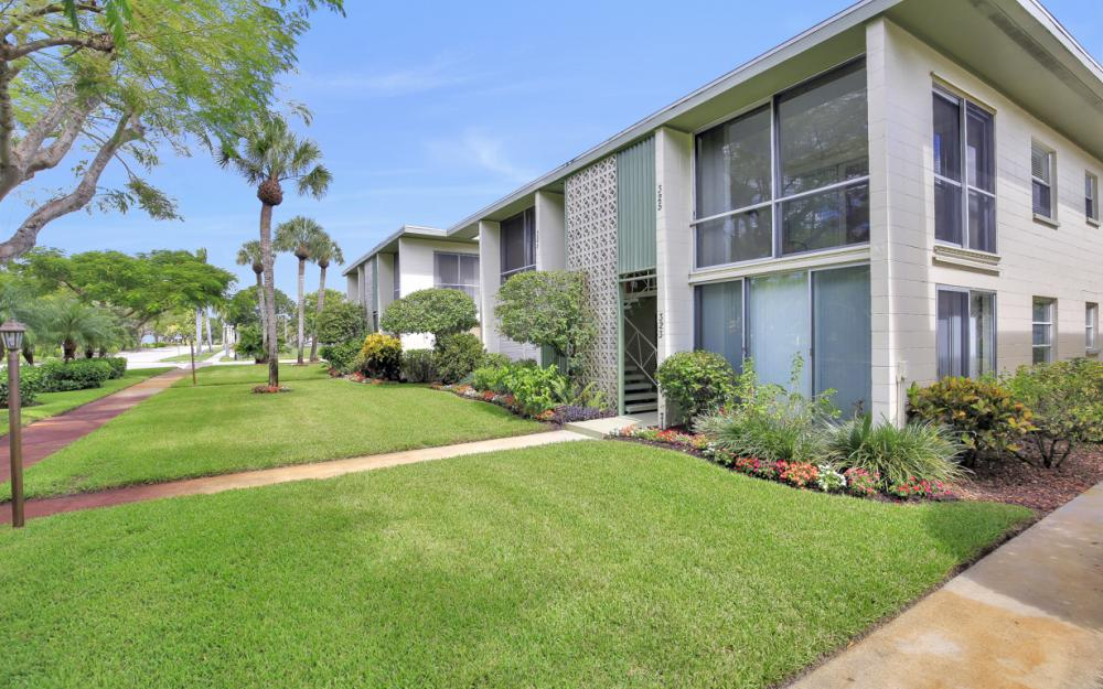 325 6th St S, Naples - Condo For Sale 1283375057