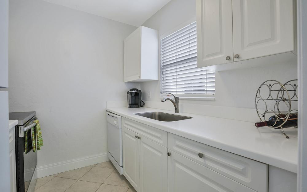 325 6th St S, Naples - Condo For Sale 1708219931